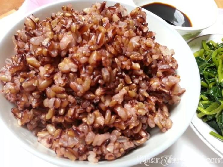 cơm thực dưỡng cực ngon từ gạo Nhân Thùy