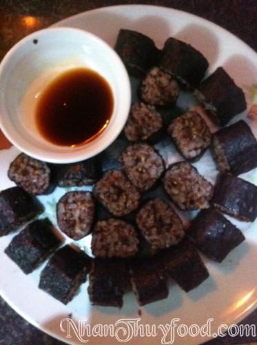 ShuSi tuyệt ngon làm từ Gạo lứt tím Nhân Thùy và rong biển, món ăn bổ dưỡng.
