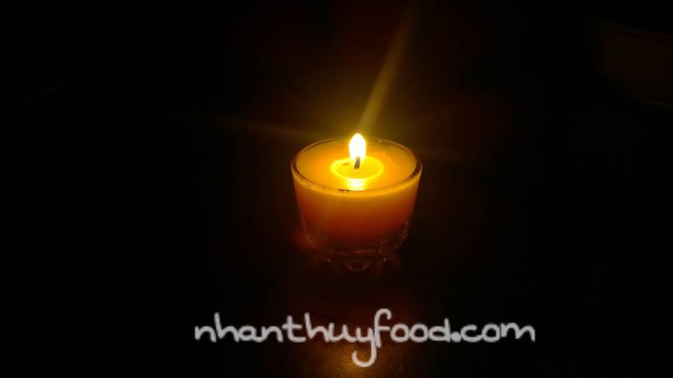 Nến sáp ong rừng cho ngọn lửa dịu êm, tốt cho sức khỏe