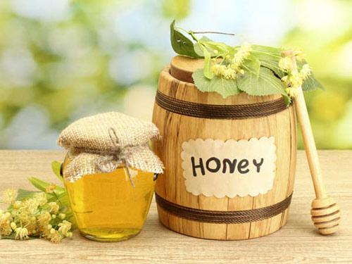 Mật ong có tác dụng bồi bổ cơ thể, làm đẹp da.