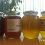 Bằng màu sắc có phân biệt được mật ong rừng thật giả hay không?