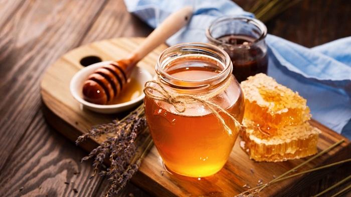 Mật ong có tác dụng rất tốt trong việc trị nứt gót chân
