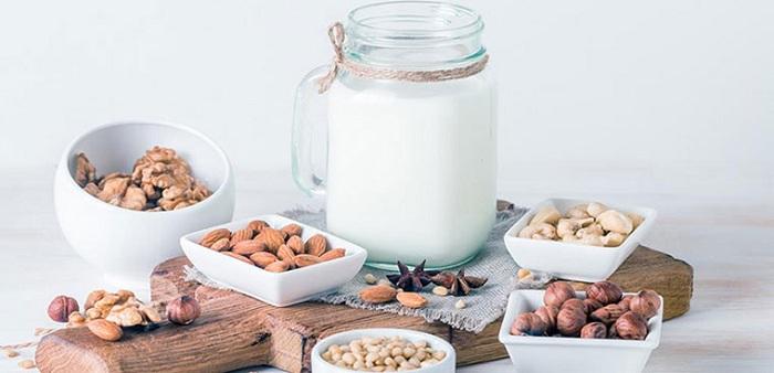 Kết hợp hạt điều với nhiều loại hạt khác nhau để tạo nên hương vị đặc biệt